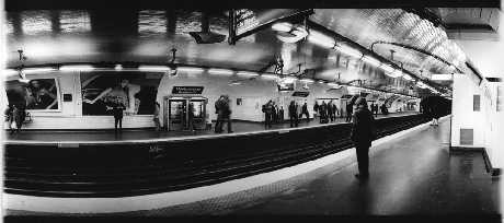 in the metro - © lorseau@deviantart