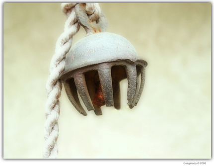 A Simple Bell by osagelady@deviantart.com
