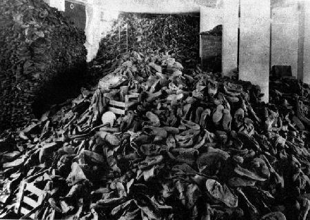 Schuhberge im KZ Auschwitz