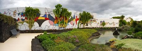 Wandmosaik von César Manrique im Hof seines ehemaligen Wohnhauses in Arrecife (Lanzarote), Quelle: Wikimedia