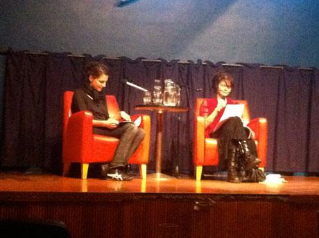 Hanna Lemke und die finnische Autorin Katja Kettu