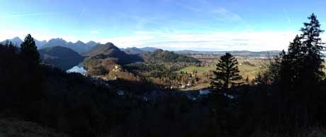Neuschwanstein, Panoramablick auf Schloss Hohenschwangau