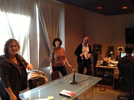 Im Studio für »Tablet Magazine«: Sara Ivry, Julie Subrin und Brian Zumhagen (v.l.n.r.)