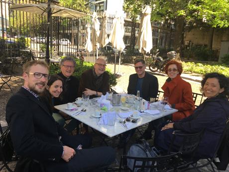 Lunch mit der Verlegerin, Verlagsmitarbeitern und Gästen