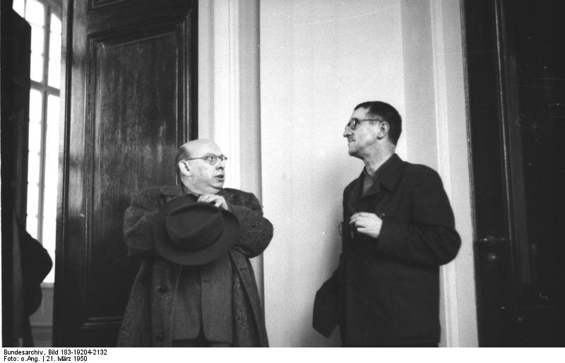 Hanns Eisler im Gespräch mit Bertolt Brecht