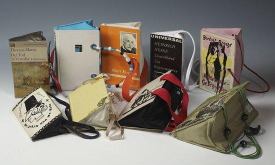 Bücher als Handtaschen
