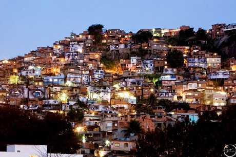 Favela in Rio de Janeiro - © 2008 by JR