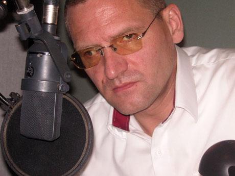 Benjamin Stein bei Rundfunkaufnahmen für den WDR im Downtown Studio München • Foto: Martin Heindel